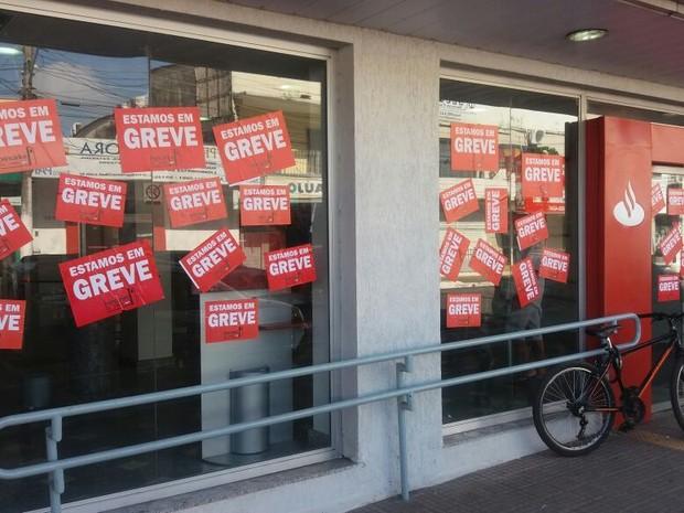 Greve bancos greve dos bancários amapá macapá (Foto: John Pacheco/G1)