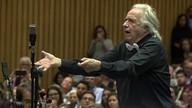 João Carlos Martins se apresenta com orquestra sinfônica