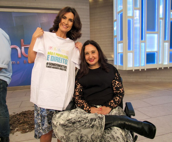 Fátima com a convidada Mirella  (Foto: Priscilla Massena/Gshow)