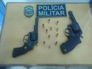 Armas apreendidas na tentativa de assalto aos Correios de Paulista (Foto: Tenente Cordeiro/PM)