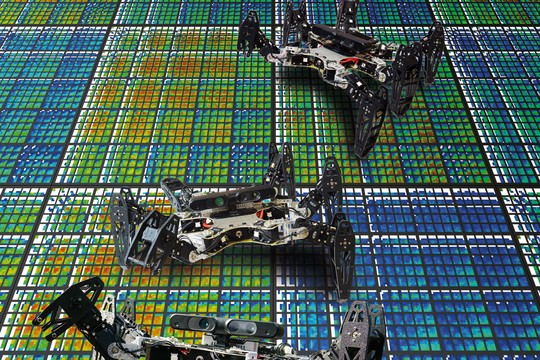 Cientistas criam robôs que, quando quebram, conseguem compensar o próprio defeito