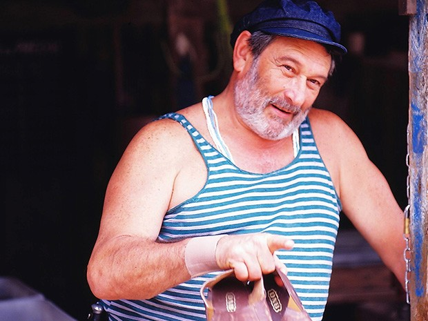 Donato (Paulo Goulart )