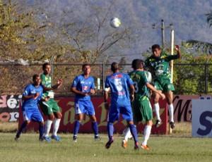 Nova Russas x Iguatu pela 3ª Divisão do Campeonato Cearense de 2012 (Foto: Deberlima.blogspot.com)