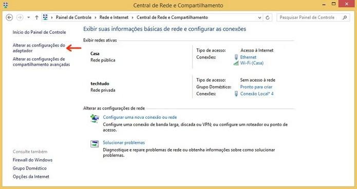 Destaque para link Alterar as configurações do adaptador (Foto: Reprodução/Raquel Freire)