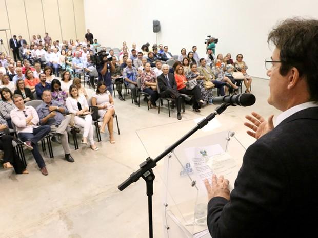 Governador anunciou medidas contra o Aedes Aegypti (Foto: Demis Roussos)