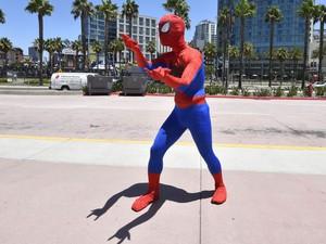 Fã vestido de Homem-Aranha durante a Comic-Con 2014, em San Diego (EUA). (Foto: Denis Poroy/France Presse)