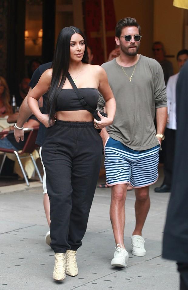 Kim Kardashian com Scott Disick (Foto: AKM/GSI)