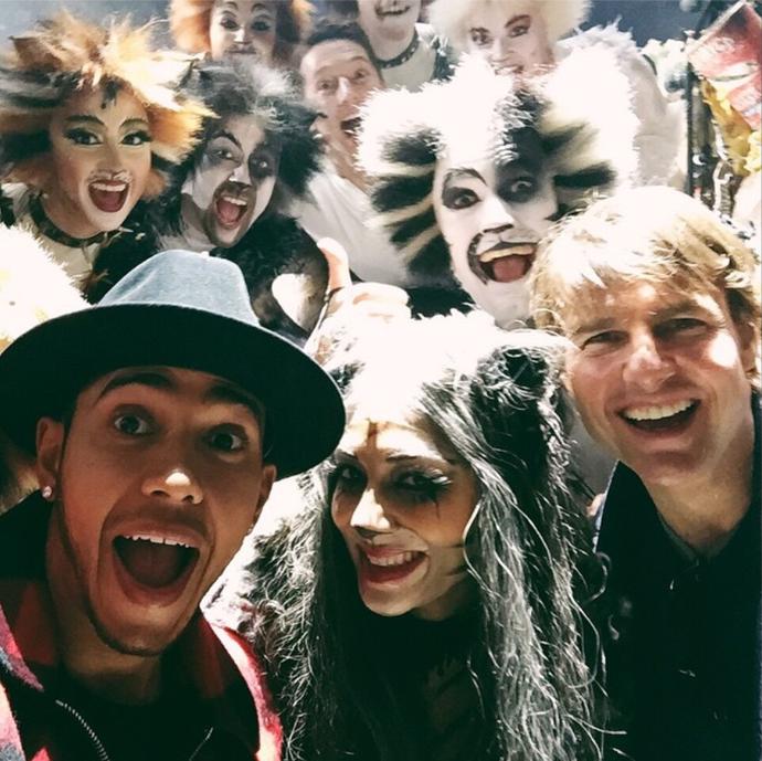 """Lewis Hamilton, Nicole Scherzinger e Tom Cruise na peça """"Cats"""" (Foto: Reprodução)"""