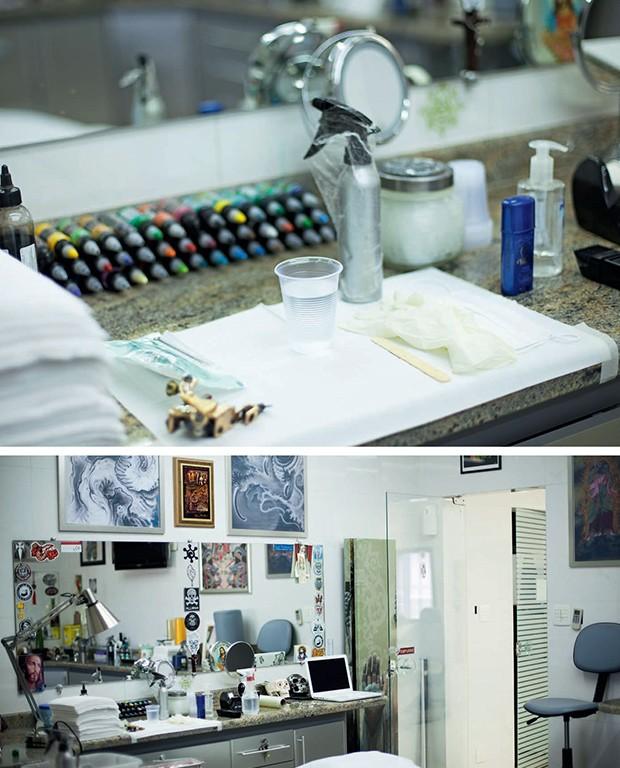 O estúdio, com tintas e equipamentos usados nas tatuagens. No início da carreira, Tino precisava soldar as agulhas para obter o efeito desejado nos desenhos (Foto: Camila Fontana)