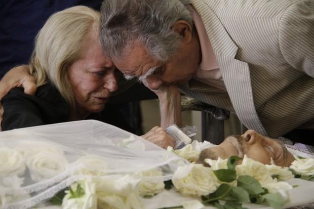 Luiz Carlos Barreto no velório de Miele (Foto: Anderson Barros / EGO)