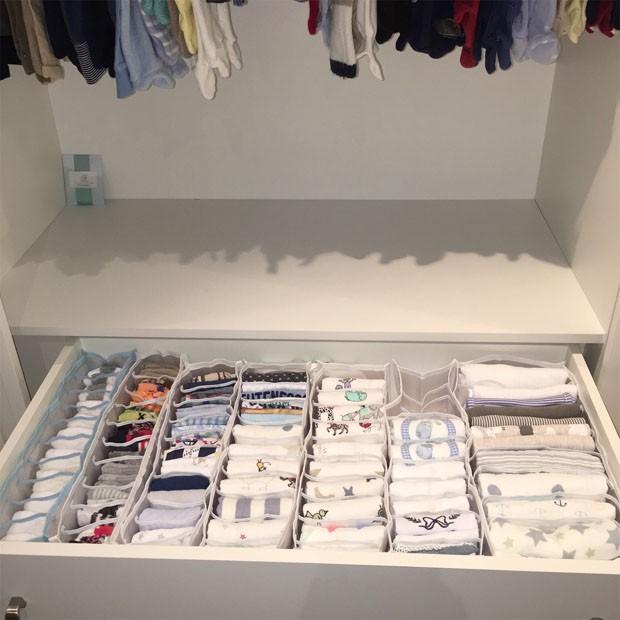 Organização de closet: os acessórios que ajudam na arrumação (Foto: Carol Rosa/Divulgação)