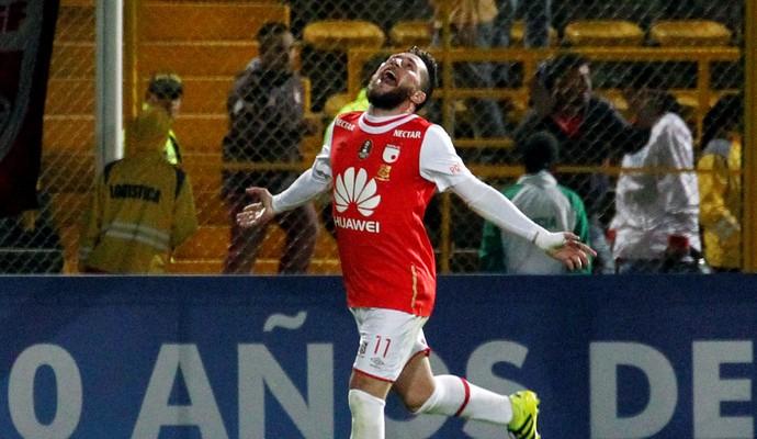Gómez comemora gol do Santa Fe contra o Cerro Porteño (Foto: Felipe Caicedo/Reuters)