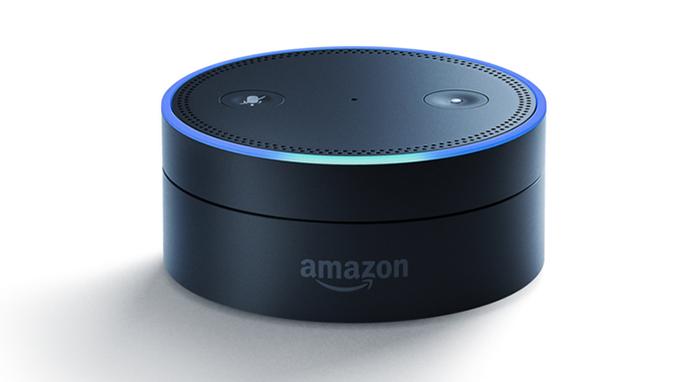 Echo Dot é a versão mais simples do Amazon Echo a oferecer acesso à assistente Alexa (Foto: Divulgação/Amazon) (Foto: Echo Dot é a versão mais simples do Amazon Echo a oferecer acesso à assistente Alexa (Foto: Divulgação/Amazon))