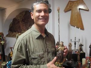 Frei Rozântimo Costa, pároco do Santuário do Valongo (Foto: Mariane Rossi/G1)
