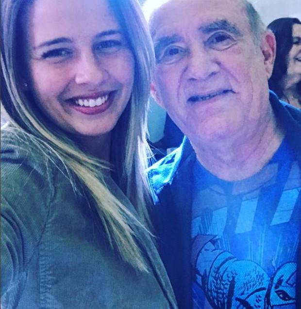Debby Lagranha e Renato Aragão em encontro recente (Foto: Reprodução/Instagram)