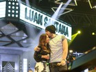 Luan Santana faz dueto com cantora e dá beijo carinhoso nela: 'Muito querida'