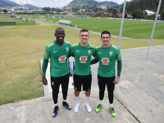 Caíque, Lucas Perri e Cleiton goleiros seleção brasileira sub-20 (Foto: Lucas Loos / GloboEsporte.com)