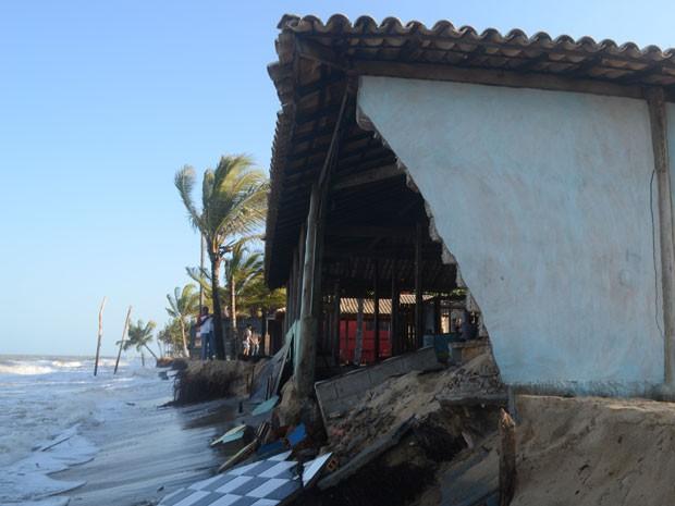 Maré volta a avançar em Prado, sul da Bahia (Foto: Prado Notícias)