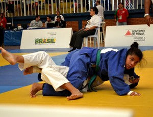 Judoca Brenda Barbosa, do Colégio Tiradentes, garantiu bronze (Foto: Paulo de Tarso Jr)