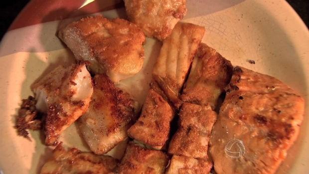 peixe frito (Foto: tvca)