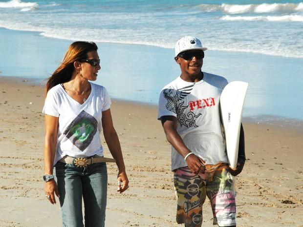 Rita Mascarenhas adotou Fininho, hoje campeão de surfe amador (Foto: Lucas Barros/Globoesporte.com)