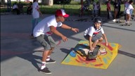 Projeto de skate em Poá ajuda jovens