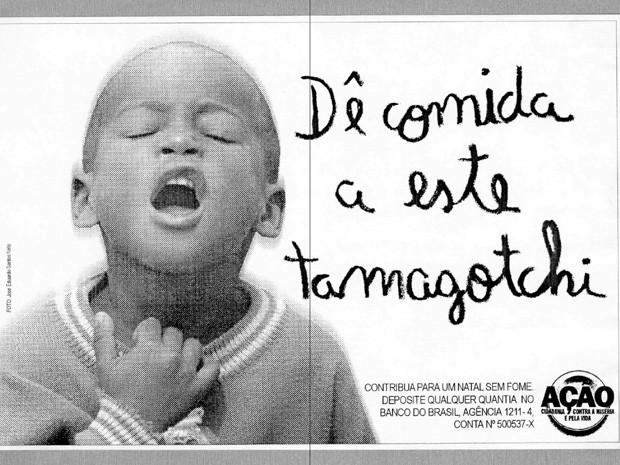 Campanha da Ação da Cidadania na década de 90 faz provocação com brinquedo tecnológico da época (Foto: José Eduardo Santos Neto/Divulgação)