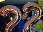 Neymar mostra comemoração de aniversário: 'Dois patinhos na lagoa'