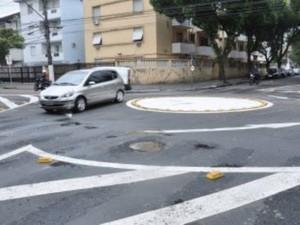 Rotatória foi instalada em cruzamento que matou mulher (Foto: Helena Silva/Prefeitura de Santos)
