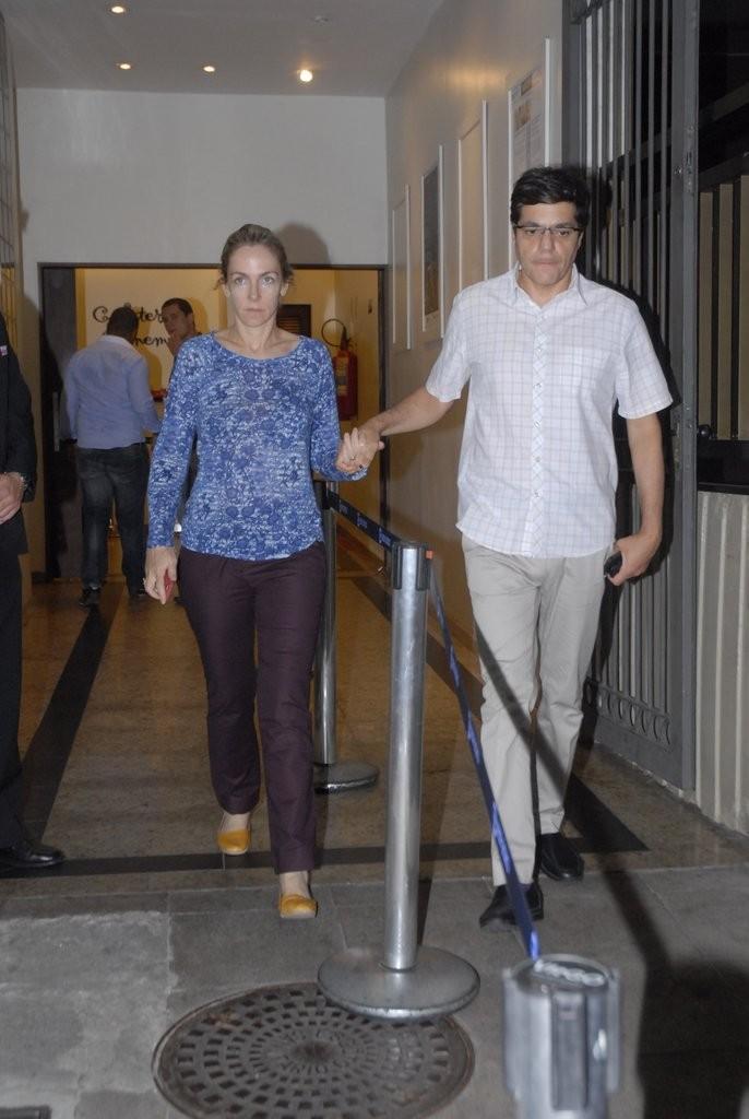Familiares e amigos chegam a velório de José Wilker (Foto: Roberto Valverde/Revista QUEM)