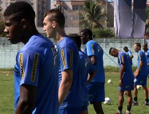 Jogadores participaram de treino leve no Estádio do Trabalhador (Foto: Reprodução/TV Rio Sul)