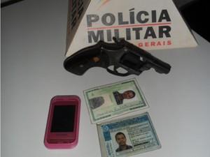 Uma funcionária foi feita refém durante a tentativa de assalto. (Foto: Divulgação/PM)