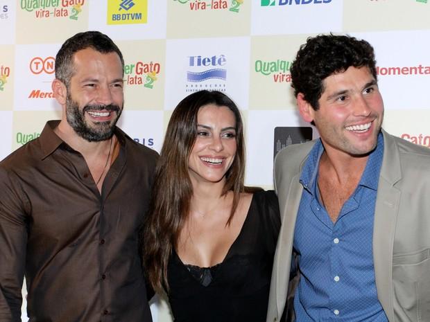 Malvino Salvador, Cleo Pires e Dudu Azevedo em pré-estreia de filme na Zona Sul do Rio (Foto: Alex Palarea/ Ag. News)