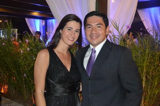 Bruno Sakaue e Patrícia Rocha (Foto: Rabello Assessoria)