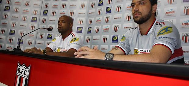 Botafogo-SP apresenta Alê e Cris  (Foto: Cleber Akamine / globoesporte.com)