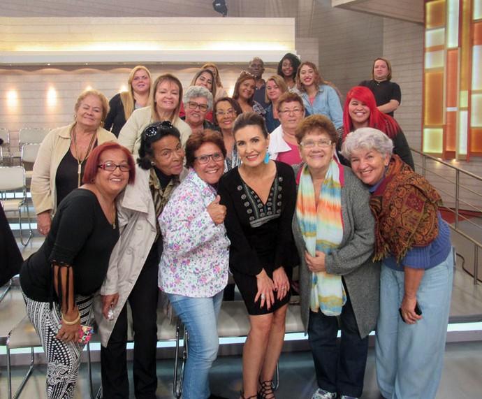 Mais plateia do programa com a apresentadora  (Foto: Juliana Hippert/Gshow)