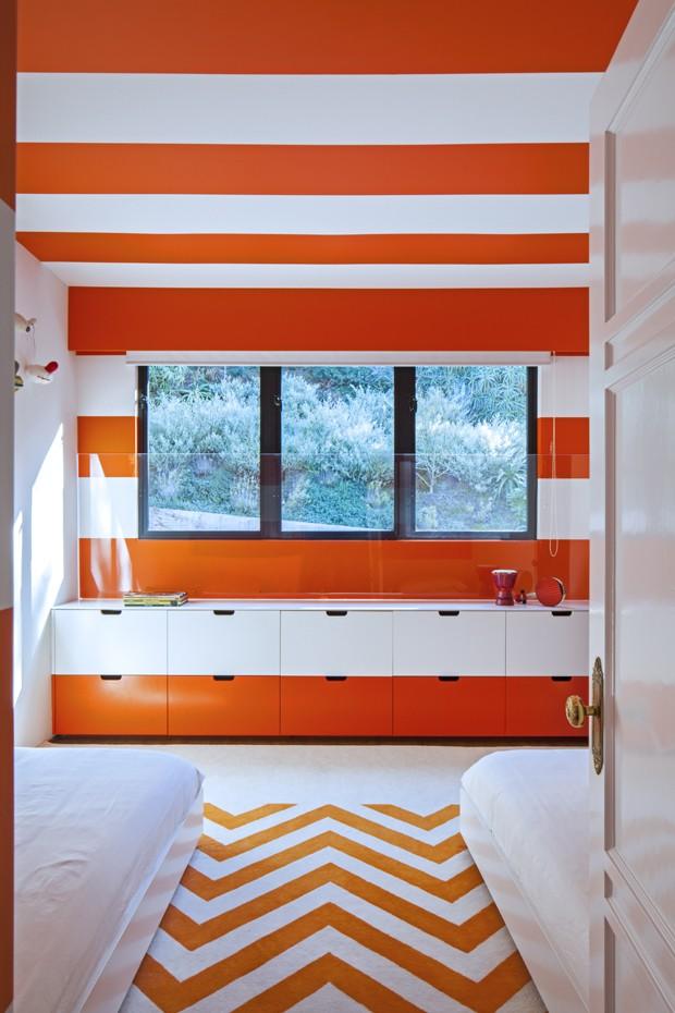 Casa de estilo colonial se transforma com decoração poderosa e cores vibrantes (Foto: Art Gray Architectural Photography/Divulgação)