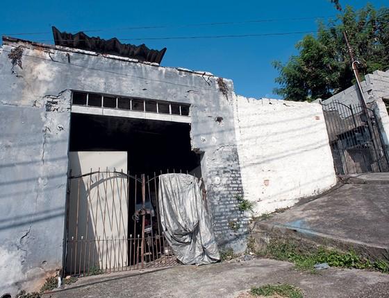 Sobrado onde Gegê do Mangue passou sua infância .Ele informou esse endereço á justiça (Foto: Emiliano Capozoli/ÉPOCA)