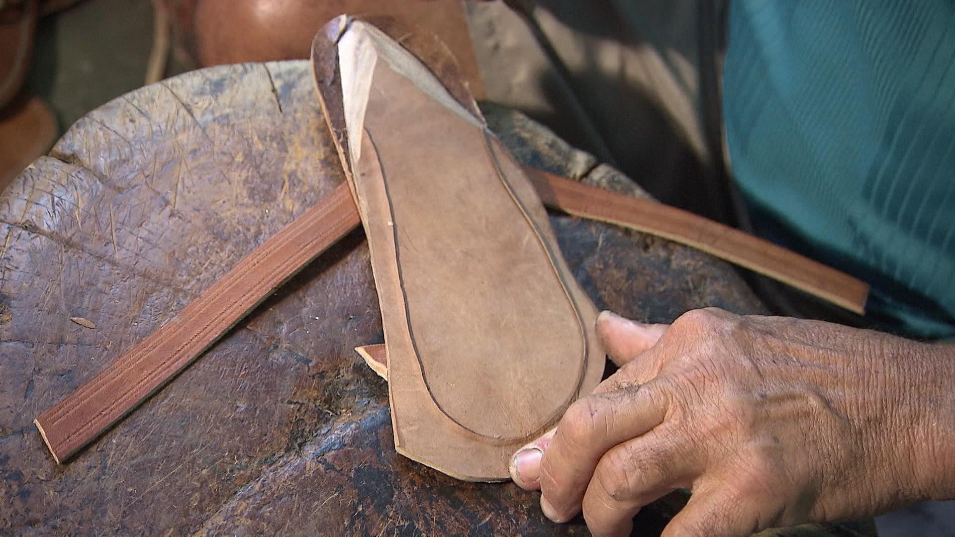 O couro é a matéria-prima que movimenta a economia do município de Ipirá, sertão baiano (Foto: Divulgação)