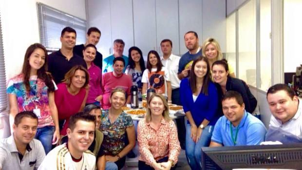 Equipe de Joinville comemorou o Dia do Jornalista (Foto: RBS TV/Divulgação)
