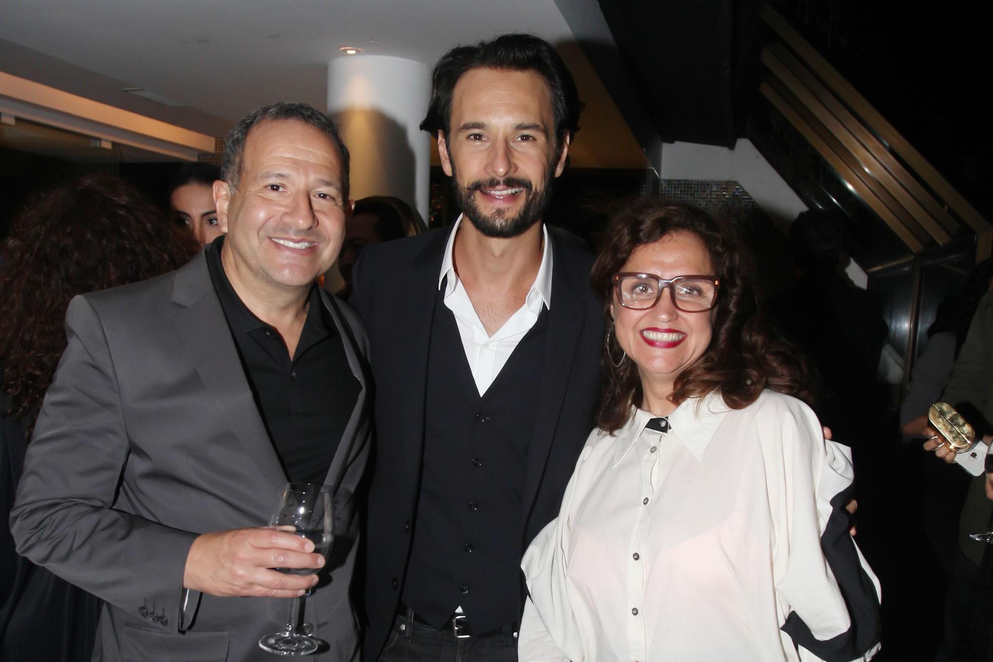 Steven Bernstein, Rodrigo Santoro e Ilda Santiago (Foto: Divulgação)