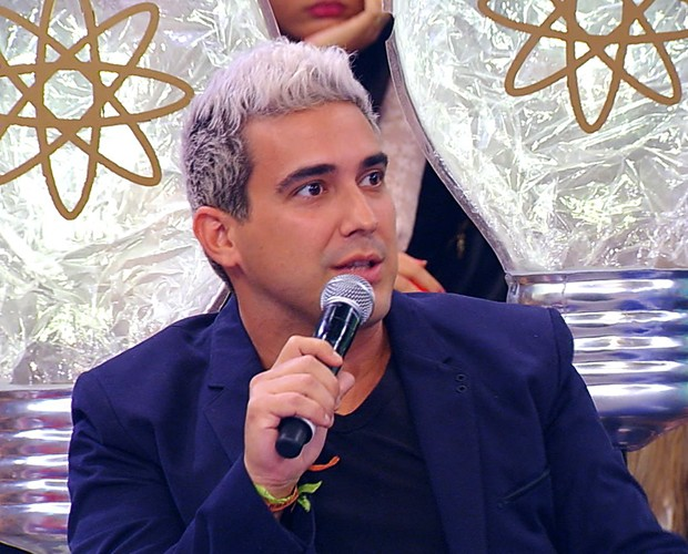 André Marques fala sobre nova cor do cabelo (Foto: Caldeirão do Huck/TV Globo)