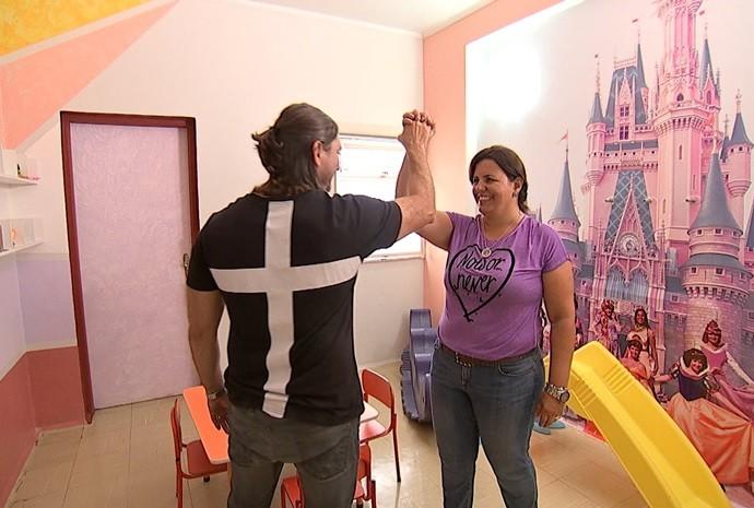 Brinquedoteca ganhou cara nova graças à solidariedade (Foto: Reprodução / TV TEM)