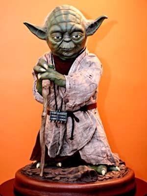 Action figure em tamanho natural do personagem Yoda, de Star Wars (Foto: Rayan Ribeiro/Divulgação)