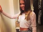 De shortinho, filha de Romário posta look da noite: 'Gosto Muito'