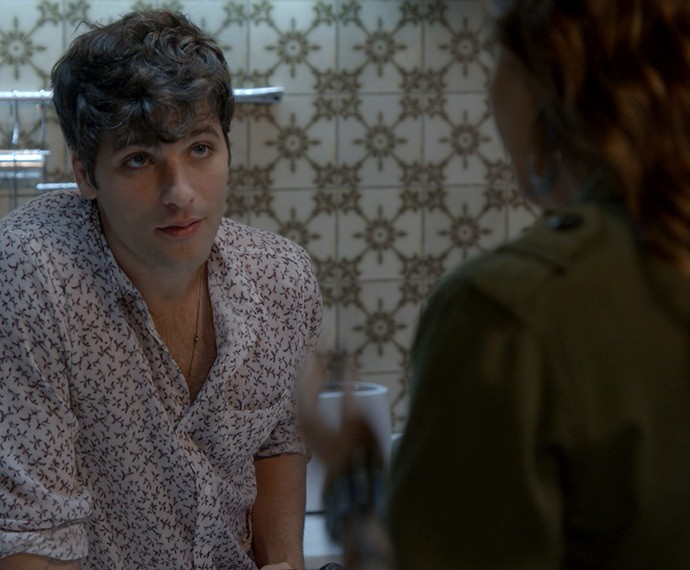 Murilo diz para Cris não fazer nada sem antes falar com ele (Foto: TV Globo)