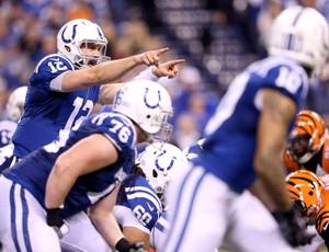 Andrew Luck ajudou o Indianapolis Colts a superar o Bengals e avançar na NFL (Foto: Getty)