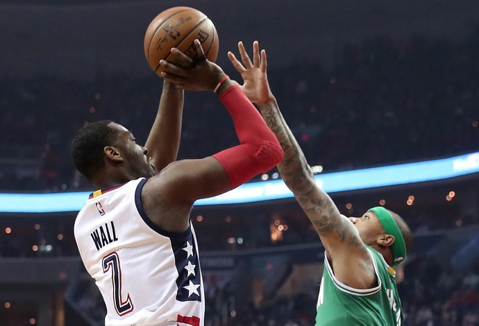 John Wall superou Isaiah Thomas no fim e deu a vitória ao Washington Wizards contra o Boston Celtics (Foto: Getty Images)
