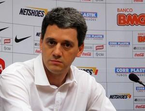 Felipe Faro, superintendente de futebol do Santos (Foto: Lincoln Chaves / Globoesporte.com)