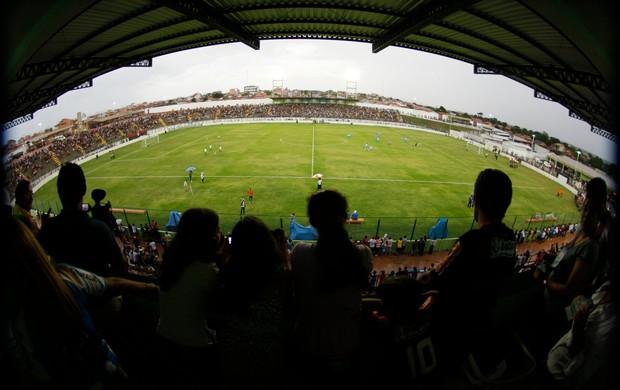 Vista panorâmica da Arena Verde, em Paragominas. Estádio foi inaugurado em janeiro de 2012 (Foto: Tarso Sarraf / O Liberal)